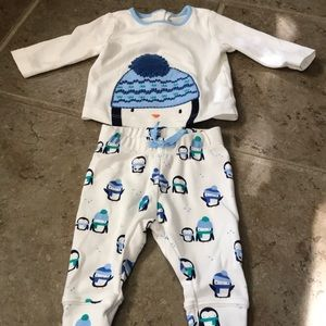 0-3m Gymboree pajama long sleeve top and bottom